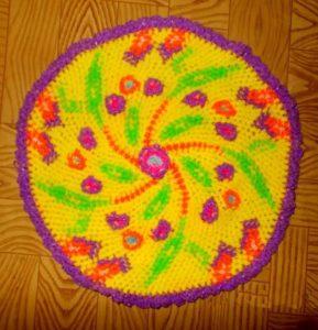Вязание крючком из цветных резиночек.