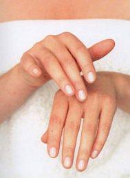Массаж рук улучшает здоровье.