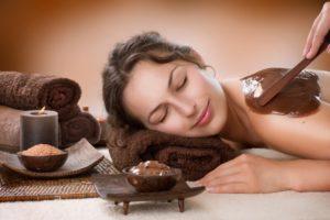 Шоколад - ароматное лакомство для кожи.
