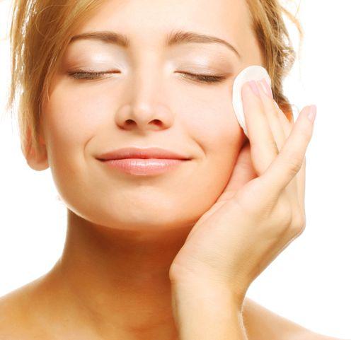 Удаление макияжа маслом