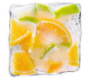 протирать лицо льдом